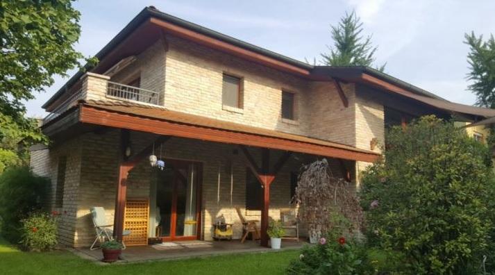 Дом в венгрии купить недвижимость за рубежом недорого посредников