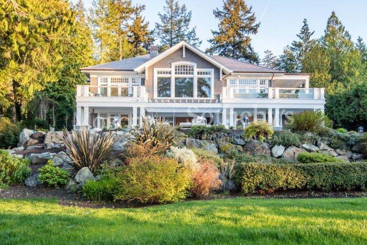 дом в канаде купить недорого у моря