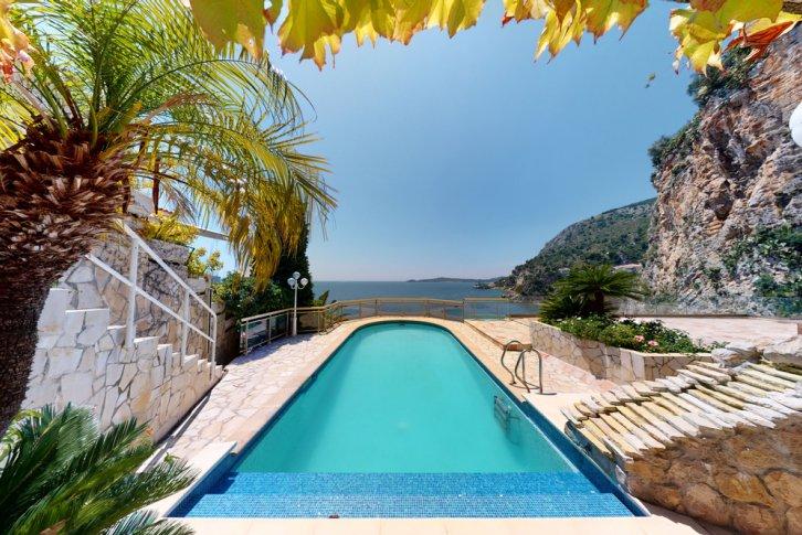 Продажа домов на юге франции купить дом в дубае на берегу моря