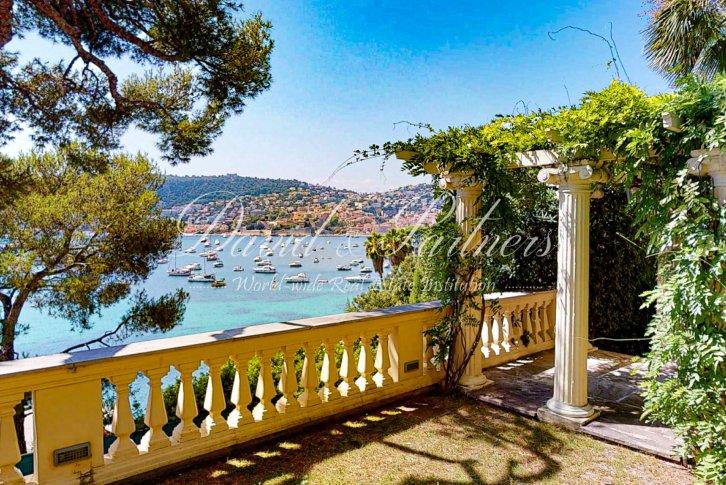 купить дом во франции на берегу моря