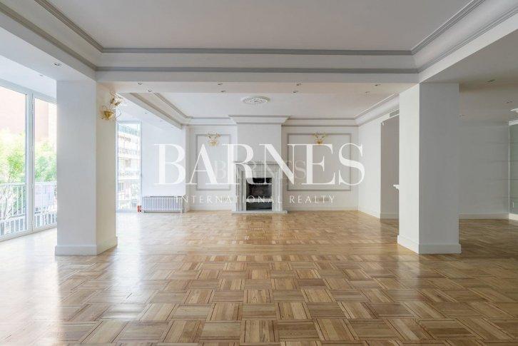 Продажа квартир в мадриде купить недвижимость Абу Даби Аль-Рафаах