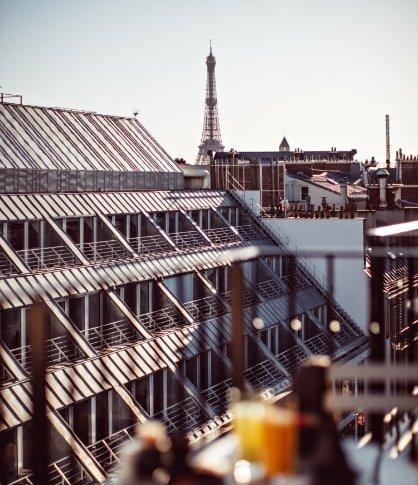 Купить бизнес во франции пусть говорят дубай ростов