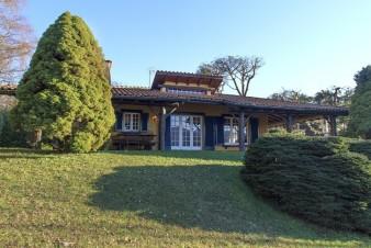 Дом в Испре, Италия