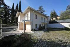 Дом в Гардоне-Ривьере, Италия
