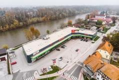 Торговый центр с 9 арендаторами на Австрийской границе