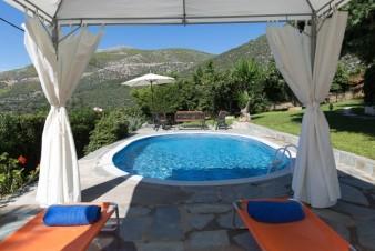 Дом на Эвии, Греция