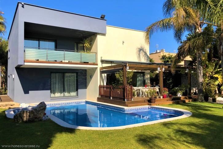 Дом на берегу испании сколько стоит сдать в аренду квартиру в оаэ