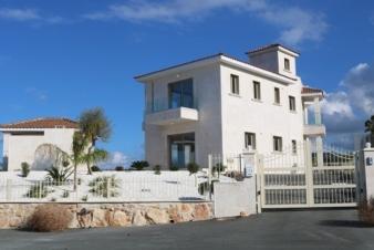 Дом в Корал Бей, Кипр