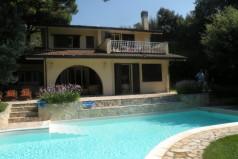 Дом в Пунта-Але, Италия