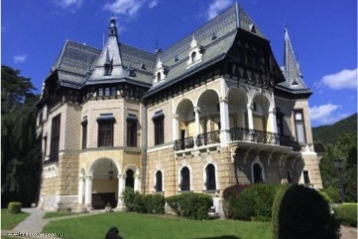 Купить замок недвижимость недорого снять квартиру в дубае на марине