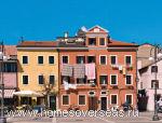 Апартаменты в небольших итальянских городах стоят недорого, но вряд ли представляют интерес для иностранцев